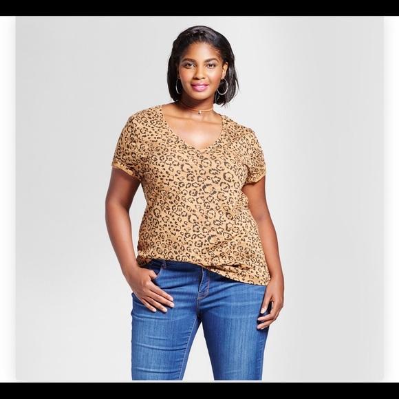 3d05ea4df15 🛑FINAL Ava   Viv Leopard V- Neck T-Shirt 3x NWT